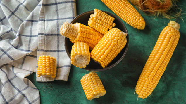 Cook Fresh Corn on the Cob in Your Microwave
