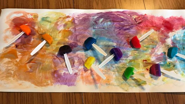 Let Your Kid Paint With These Homemade Paint Popsicles