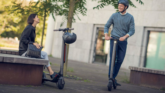 Scoot Past the Haters on a Segway Ninebot ES4 Electric Scooter at a $270 Discount